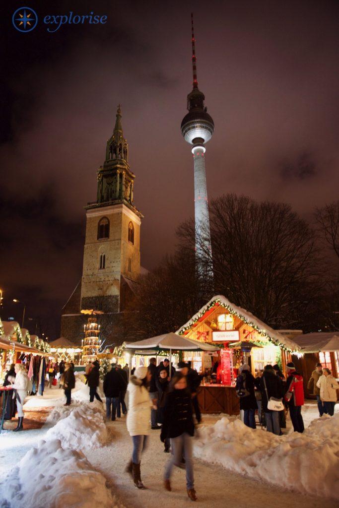 """""""Berliner Weihnachtszeit"""" am Roten Rathaus"""